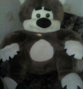 Медведь плюшевый большой