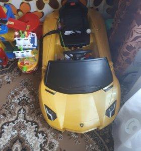 Машина на аккамуляторе с пультом управления