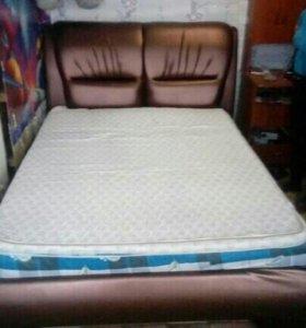 Продам кровать с матрасом и намотрасником