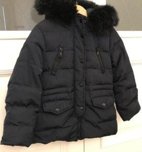 Куртка Zara на девочку 122р пух
