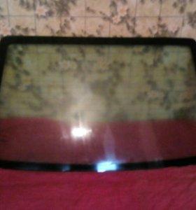 Заднее стекло на Ford Focus 1