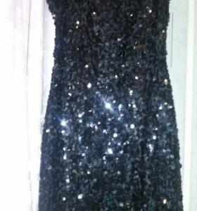 Платье на спине вырез