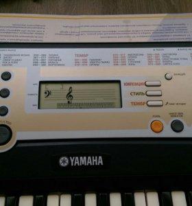 Синтезатор Yamaha PSR-R200 + подставка в подарок