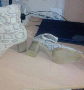 Продам ботинки пр.во Италия всё натуральное !