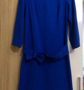 Васильковое платье-футляр 44 размер