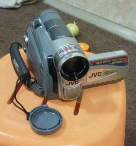 Видеокамера JVC GR-D20