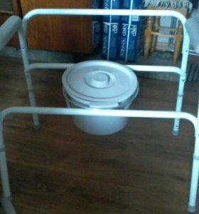 Санитарный кресло-стул