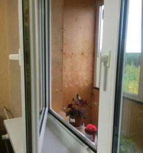 Окно балконное вместе с дверью
