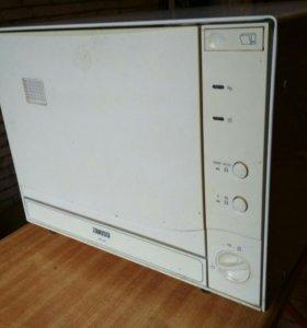 Посудомоечная машина Zanussi на 4 комплекта посуды