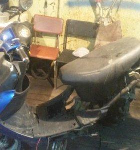 Продам комплектующие скутера