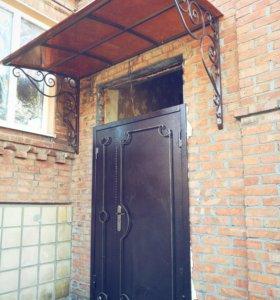 Входные двери козырьки