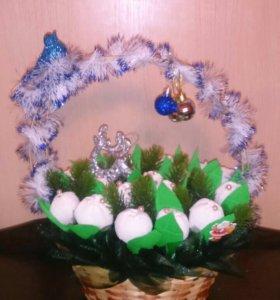 Букет из конфет- корзина подснежников
