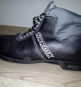 Лыжные ботинки 38рр