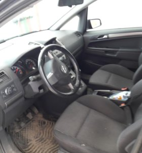 Opel Zafira B 2005