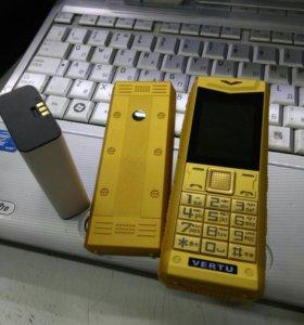 "Телефон ""ОрехоКол"" Vertu"