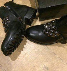 Кожаные ботинки женские новые