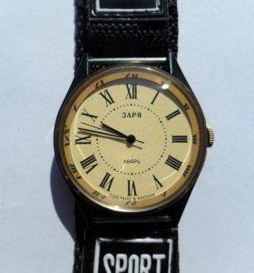 Часы Quartz электронные наручные