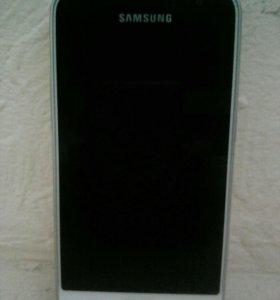 Смартфон Samsung GSM J-120F