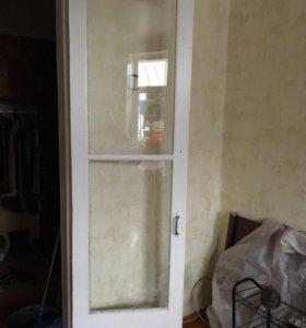Двери межкомнатные их 2 шт