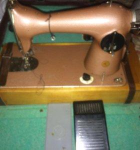 Швейная электро-машинка Tur 2