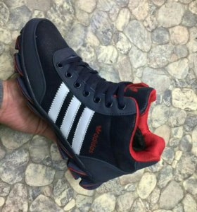 Новые кроссовки зима 41 р