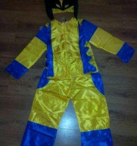 Продам новогодние костюмы на мальчика 6-8 лет