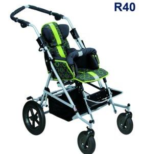 Детская инвалидная кресло-коляска