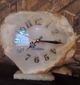 Часы на натуральном камне