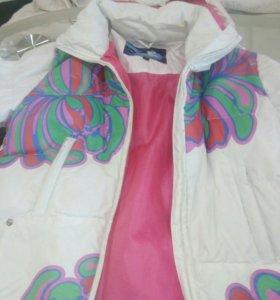Куртка горнолыжка для девочки.