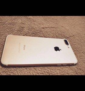 Продам Айфон 7+ на 128 гб