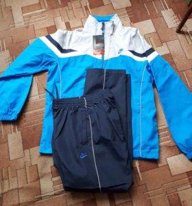 Спортивный костюм Nike 48-50(L) Новый.