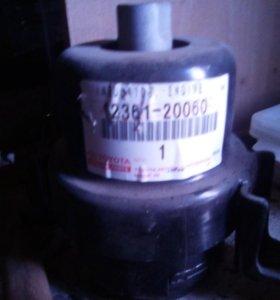 Подушка на коробку лексус RX-300 оригена