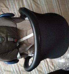 Детское кресло maxi-cosi cabrio fix