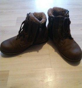 Теплые ботинки 36р