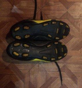 Бутсы ( DEMIX) черно-серо -желтые
