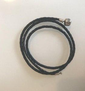Браслет черный кожаный Pandora