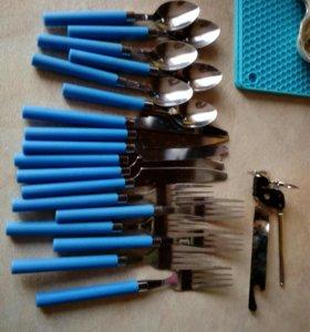 Вилки , ножи + ложки.