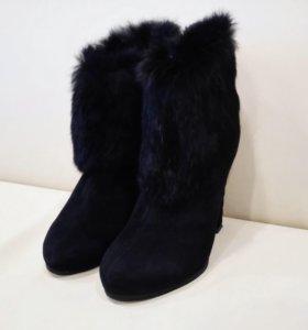 Зимние замшевые сапоги с натуральным мехом