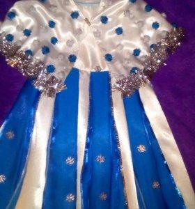 Новогоднее платье,2,5-4 годика