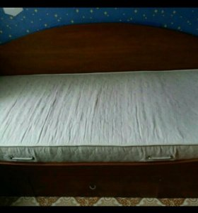 Кровать с ортопедическим матрацем