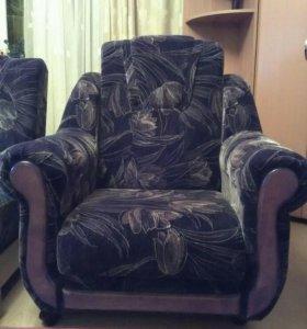 Два дивана и два кресла