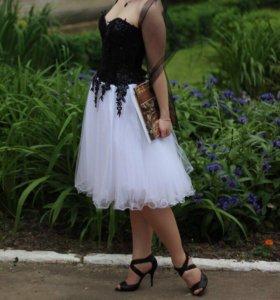 Великолепное вечернее платье.