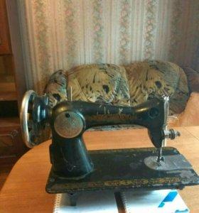 Машинка швейная ножная Подольская без стола