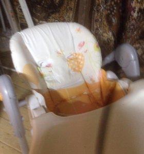 Продаётся стульчик для кормления Люлька