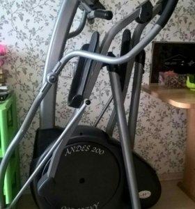 Эллиптический тренажёр Horizon Fitness Andes 200