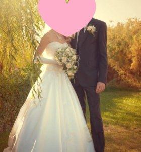 Срочно!переезд!свадебное платье с длинной фатой