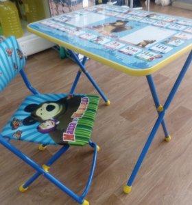 Продается мольберт и стол со стулом
