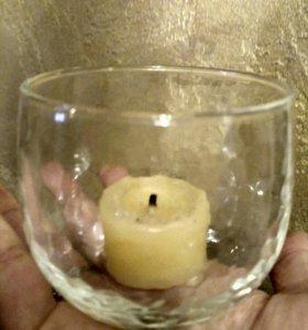 Подсвечник со свечей