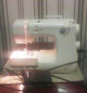Электрическая -швейная машинка