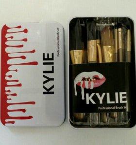 Набор кистей для макияжа KYLIE *12 шт металл